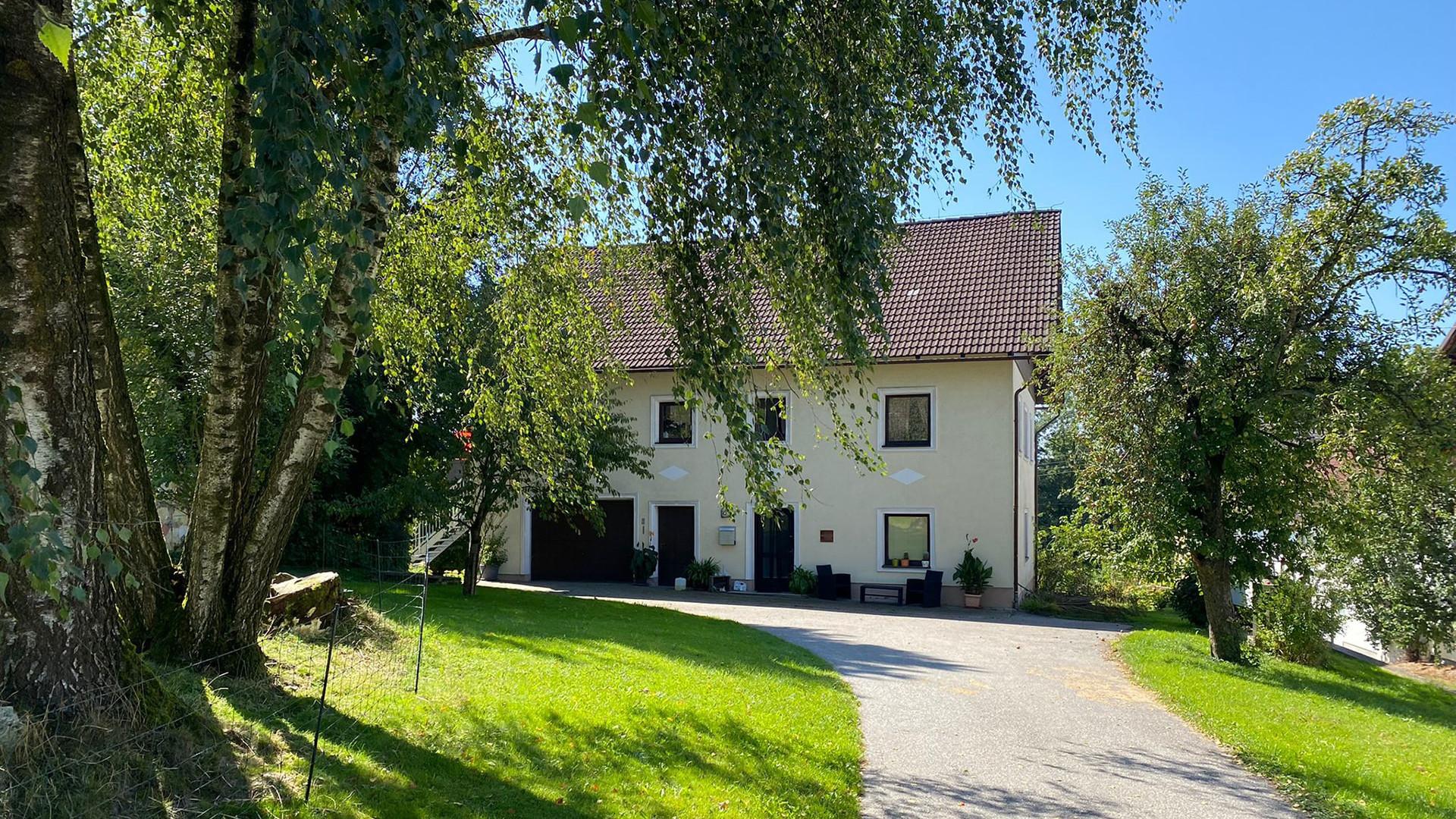 Charmantes Ein/Mehrfamilienhaus